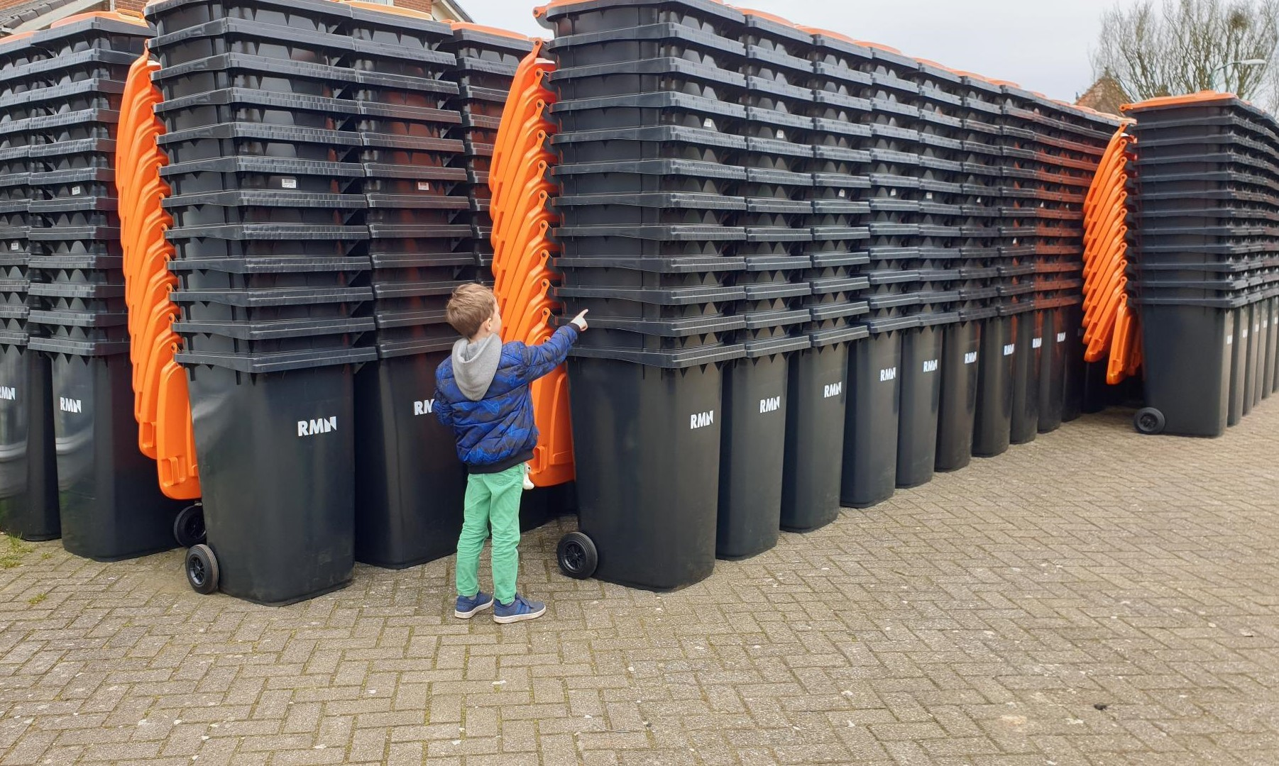 Stapel PMD containers